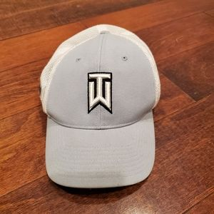 Nike TW Tiger Woods RZN/VRS UltraLight Flexfit Hat